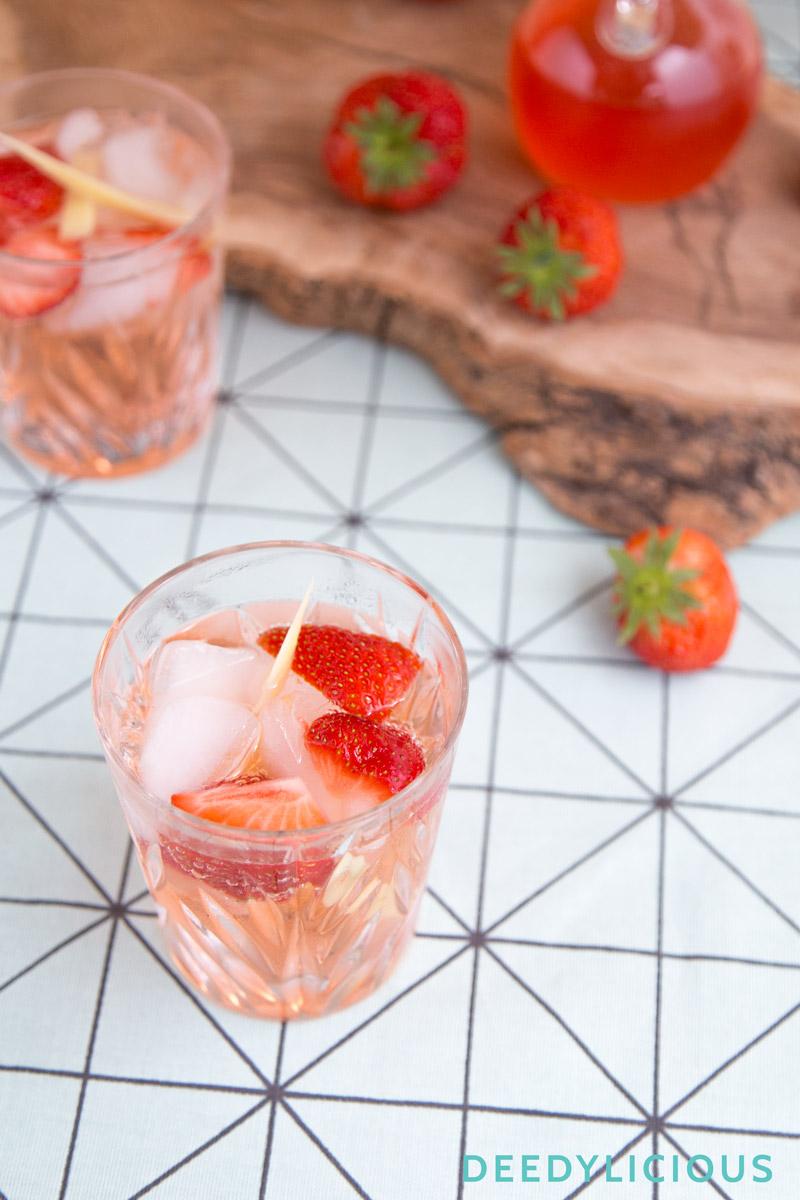 Summer cocktail met homemade aardbeienlikeur | www.deedylicious.nl