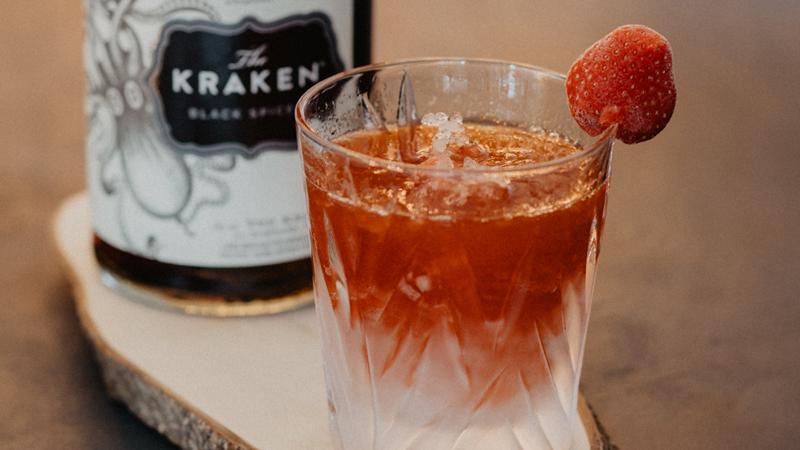 Strawberry Daiquiri met The Kraken spiced rum | www.deedylicious.nl